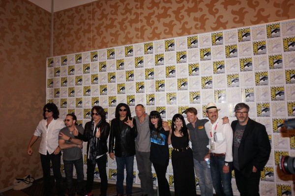 The cast & crew of Scooby Doo & Kiss